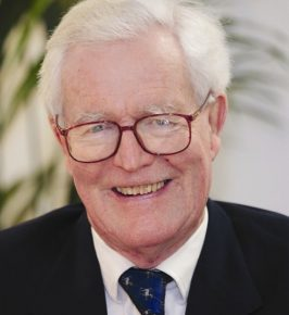 Douglas Hurd photo